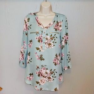 3/$30 Item Wishful Park Floral Tunic EUC MEDIUM